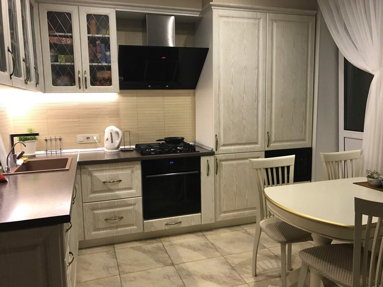 Фото Кухонная зона в классическом стиле