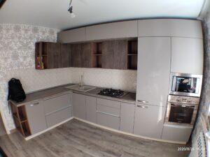 Фото Кухня без ручек капучино- старое дерево